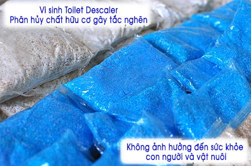 vi-sinh-thong-tac-toilet-descaler